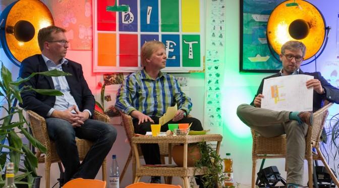 Unser Familienzentrum:  Alt und Jung im Gespräch beim RoBiNet-Dämmerschoppen